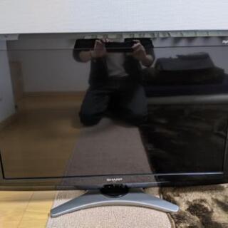 液晶テレビ 32型 2010年製 SHARP LC-32E7の画像