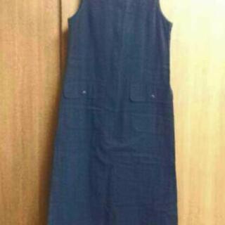 キタニ黒のオーバースカート