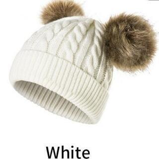 新品♥️ボンボンが可愛い❤️赤ちゃんニット帽 👶〖白〗👲