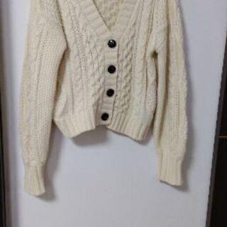 フリーサイズ オフホワイト 編み目模様が可愛い厚手カーディガン