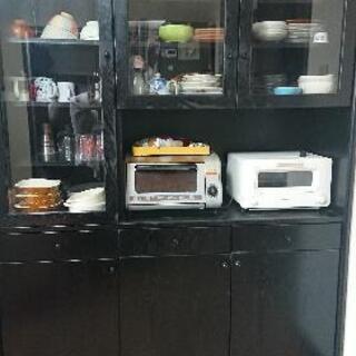 大幅値下げ!黒の高級食器棚