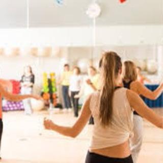 ジャズダンス 大人からダンスを始めたい方、初心者大歓迎☆