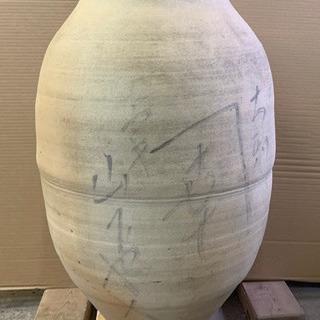 大きな壺 水瓶?②