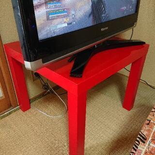赤いテーブル?