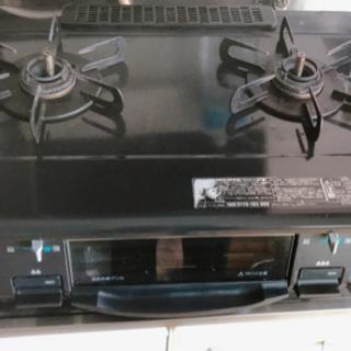 ガスコンロ 冷蔵庫 食器棚 ベッドマットレス