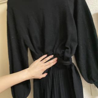 黒ニットワンピ