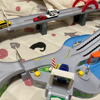 トミカ 山道ドライブ 高速道路