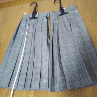 岐阜総合スカート古着2枚セット、値下げしました。