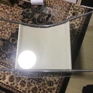 カラステーブル