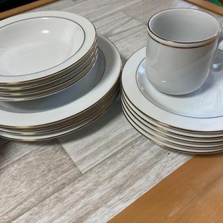 【ネット決済・配送可】大皿、中皿、小皿、コーヒーカップ