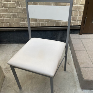 4脚あります!椅子