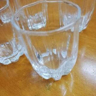 小さいグラス。  ゼリーにもOK。 - 新潟市