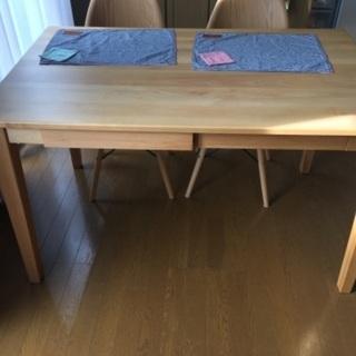 ダイニングテーブル、椅子2脚