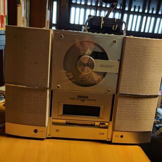 ミニコンポ CD,MD,AMラジオ、FMラジオを聴くことDENO...
