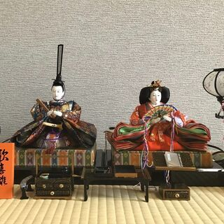 平安春峰作 女雛と男雛、台座、小物一式のひな人形のセット