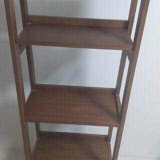 天然木使用の木製ラック(本棚)