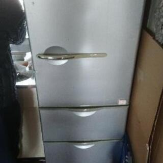 SANYO 3段冷蔵庫(3月21日-28日の引き取り)
