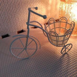自転車の置物?