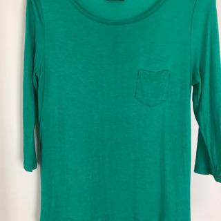 H&M Tシャツ 七部丈 グリーン