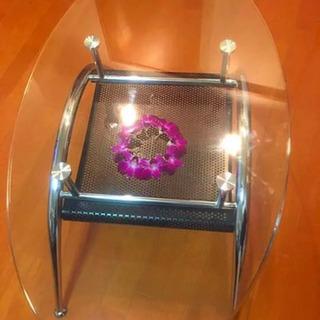 ニトリ オシャレなガラステーブル