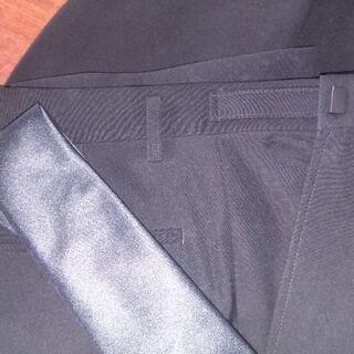 メンズの礼服スーツ、黒のネクタイ付き、クリーニング済です。 - 服/ファッション