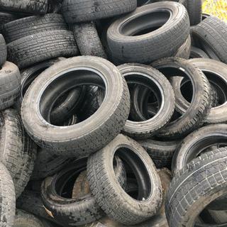 車の廃棄タイヤ回収です。無料回収はしていません。