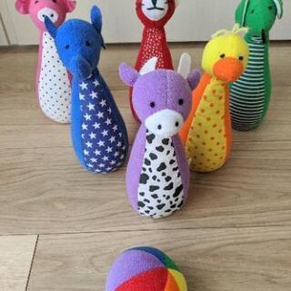 布製の動物の可愛いボウリングセット☆