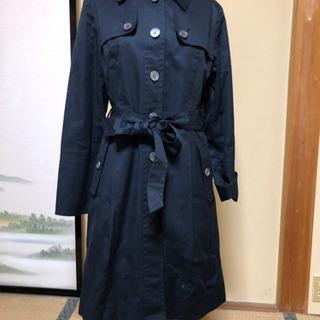 紺色のコート