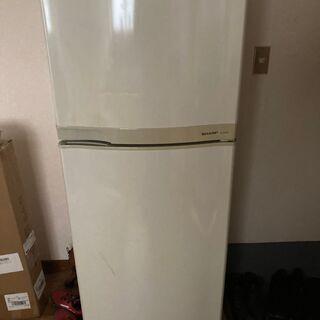 シャープ製冷蔵庫 1台お譲りいたします。