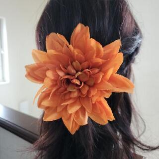 ダリアの髪飾り