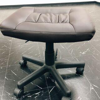 受付3月12日まで、引取16日まで!★タダ・無料★回転式の椅子 (座り心地やわらか) - 家具