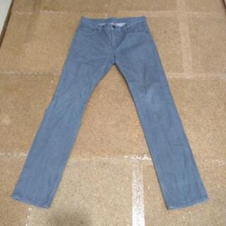 ユニクロジーンズ    グレー 灰色 32インチ 82cm