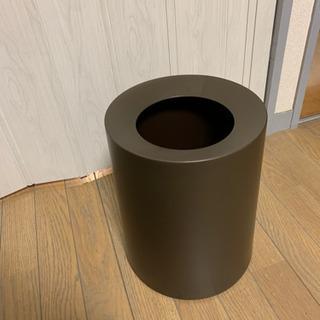 (決定)【取りに来られる方に差し上げます】おしゃれなゴミ箱