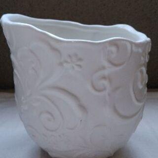 花入れ(白・陶器)