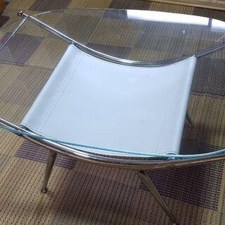 ☆★☆可愛いガラスのローテーブル☆★☆