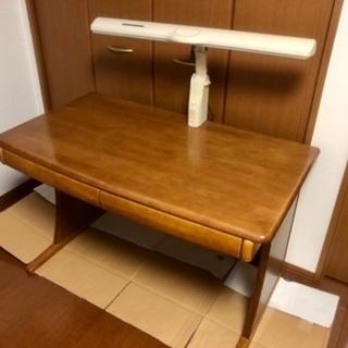 机と椅子  無料