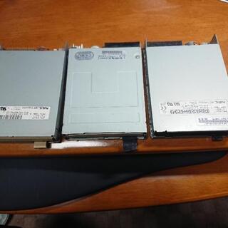 フロッピーディスクドライブ 内蔵タイプ 3個 動作未確認なのでジ...