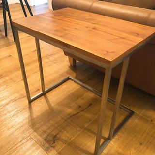 天然無垢のオシャレなサイドテーブル