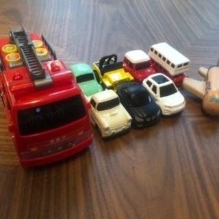プルバックカーと消防車
