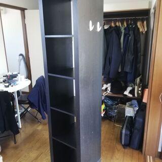 大きい黒い棚
