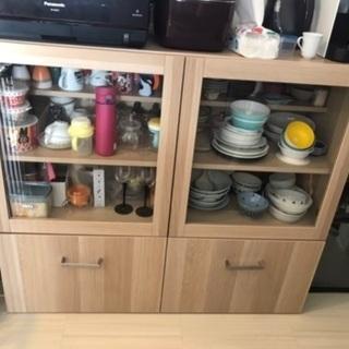 IKEAの食器棚