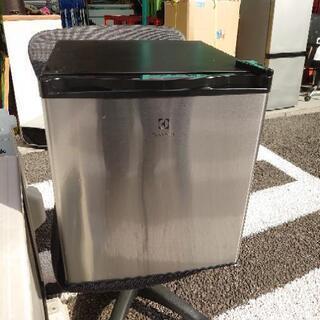 【ネット決済】1ドア/43㍑ 小型冷凍冷蔵庫ん■2016年製■E...