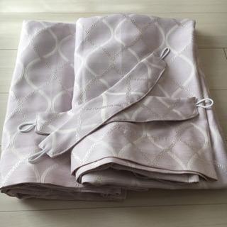 ニトリ ドレープ カーテン 2枚組 裏地付き 遮光2級 遮熱の画像