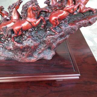 躍動感ある馬の置物 - 富山市