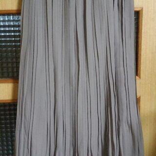 新品未使用タグ付き 夏用プリーツロングスカート Lサイズ