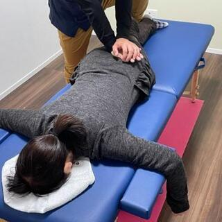 1分で骨盤を整え、3分で肩こりを 改善する施術を受けてみませんか?