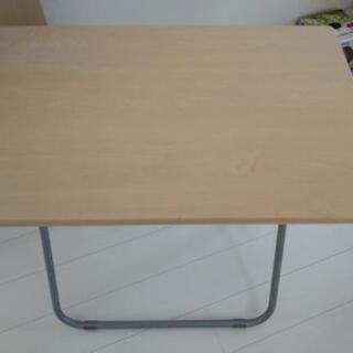 【ネット決済】パソコンなど勉強用テーブルです。