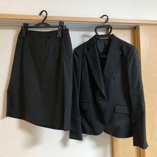 LES MUSEのブラックのストライプ スカートスーツ