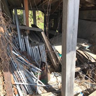 軽トラ1台分 取り放題 木材、鉄、工具、トタン等 千円 − 福井県