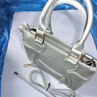 ★バッグ珍しい銀カラー(殆ど使用せず)⭐プロフィール必読です